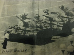 Pekín 1989. Masacre de Tien An Men. Wang Weilin frente a los tanques.