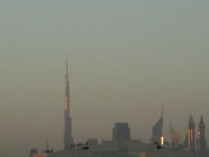 Dubai. Amanece. Ambición de verticalidad.