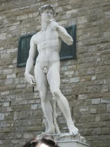 La indómoda grandeza existe (Michelangelo: David).