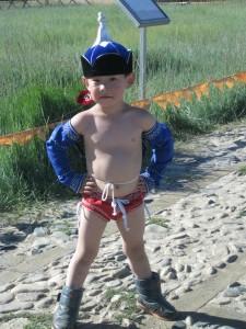 Pero siempre habrá un superman. Pequeño luchador mongol.