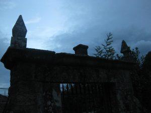 Tal y como la entrada al sepulcro de Drácula